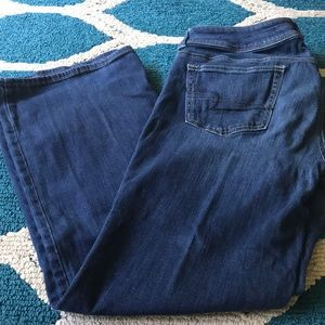 AEO. Slim Boot Jeans. Size 14.